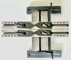 Açılı silindir kapağı bağlama aparatı